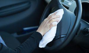 """防止車內的灰塵和異味。 休閒駕駛後要進行的""""車內清潔"""""""