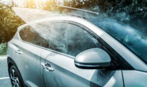 春天的污垢「花粉、黃沙、融雪劑」。 洗車的要點是什麼?